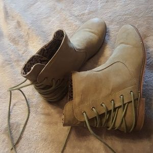 Army green ankle boots.